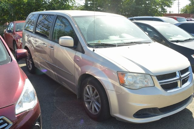 Pre-Owned 2014 Dodge Grand Caravan SE